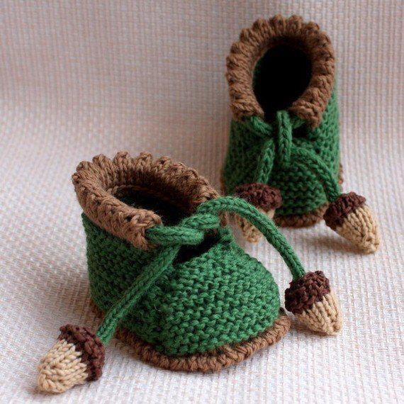 Baby boy green booties pattern