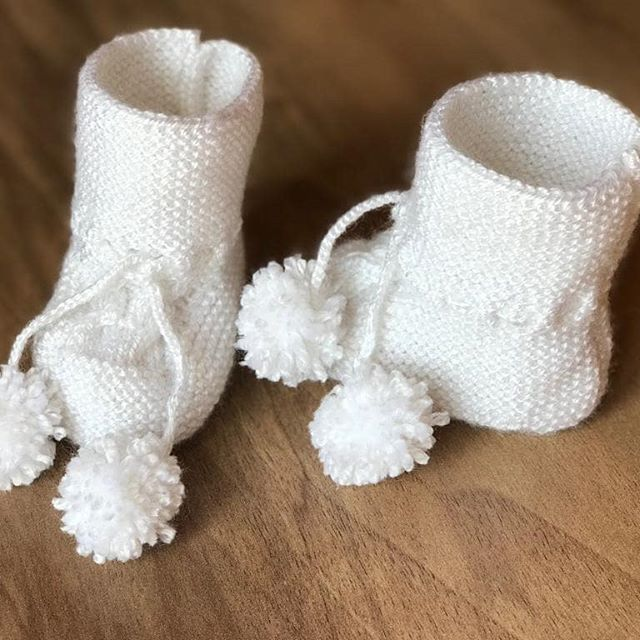 This knitting shoe is a great choice for the girl we all love.