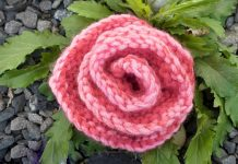 How to knit a rose