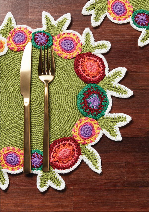 Crochet table mat makes a difference at your dining table