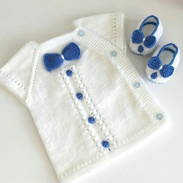 An original and very stylish knitting pattern for boys. This set of knitted sweater and booties looks really great. We look forward to adding something like this to our library of knitting patterns for babies.